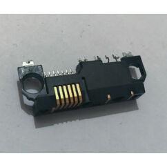 Nokia 5110/6150/6210/6310/7110, Töltőcsatlakozó
